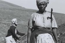 http://www.schueten.de/files/gimgs/th-10_schueten_südafrika_farmarbeiterin_durban.jpg