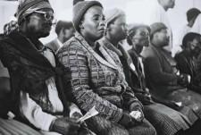 http://www.schueten.de/files/gimgs/th-10_schueten_südafrika_trauerndefrauen_kapstadt.jpg